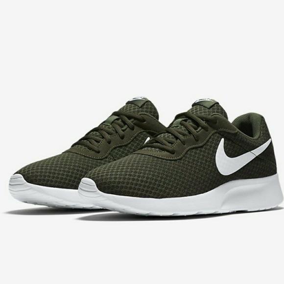 Zapatos Khaki Nike Tanjun Hombres Cargo Khaki Zapatos Malla Athletic Poshmark c6eeae